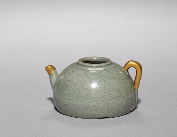 Wine Ewer, 1100s - Korea, Goryeo period (936-1392) - celadon with incised and carved design