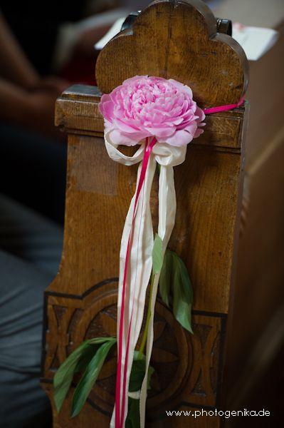 hochzeit kirchenschmuck rose in altrosa hochzeit kirchenschmuck pinterest. Black Bedroom Furniture Sets. Home Design Ideas