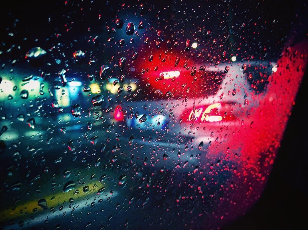 Rainy days in #milan ------------------------------------------- #exploretheworld #rainyday #rain #traveling #whatitalyis #travelblog #travelgram #urban #italy #ig_milan #igersmilano #iphonesia #instaitalia #picoftheday #ahd_photo #scatti_italiani #streetphotography #direzioneitalia #discoverearth #igersitalia #milanodavedere #milano #wanderlust #natgeo #beautifuldestinations #bestoftheday by alessandro_bizzarri