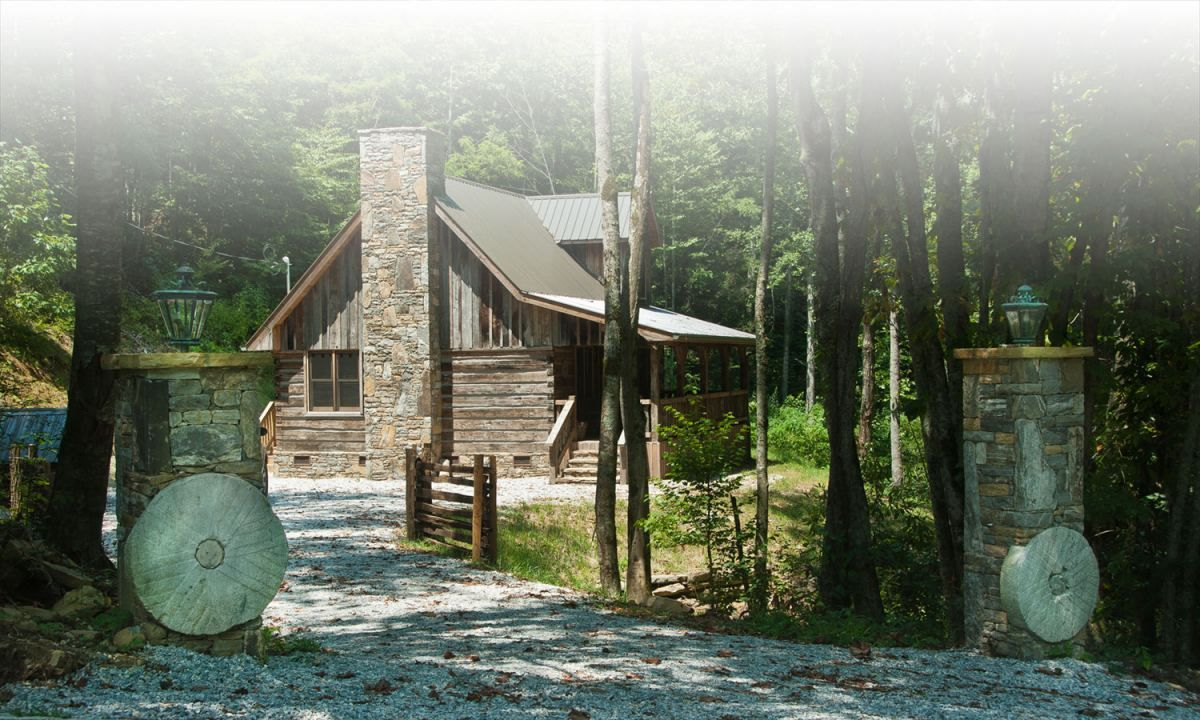 Cabin Rentals Near Bryson City Nc Pet Friendly Cabins Condos And Lofts Pet Friendly Cabins Mountain Cabin Rentals Cabin Rentals