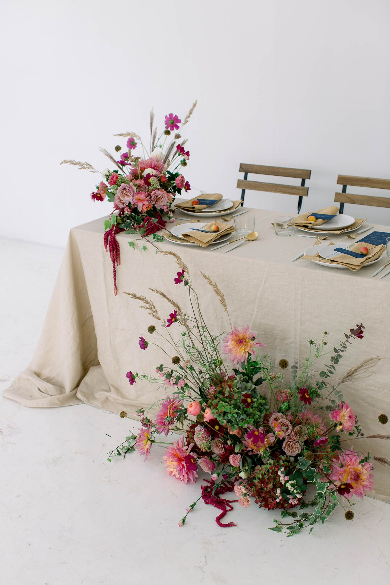 Autumn Minimalistic Wedding Decorations With Dusty Pink And Brown