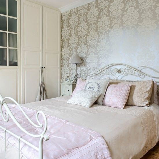 antique whtie lace vinatge bedroom ideas | French-inspired bedroom ...
