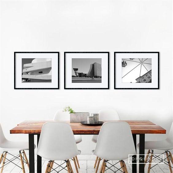 Composição de quadros com fotografias de Porto Alegre, compondo um espaço de jantar.  #quadros #pb #arquitetura #mockup #estar #jantar #fotografia #arte #DiQuadri #design #decoração #minimalista #art #detalhes #portoalegre #poa #molduras