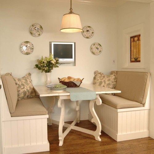 Measurements For A Breakfast Booth Breakfast Booth Bench Dining Nook Traditional Kitchen Design Home
