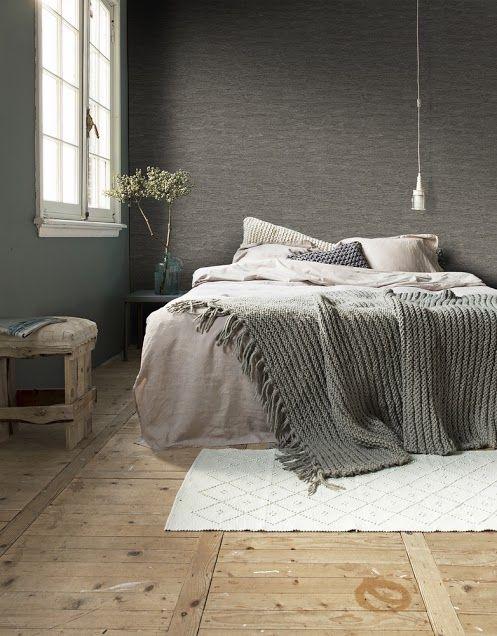 Slaapkamer met donkere en zachte kleuren | Bedroom with dark en soft ...