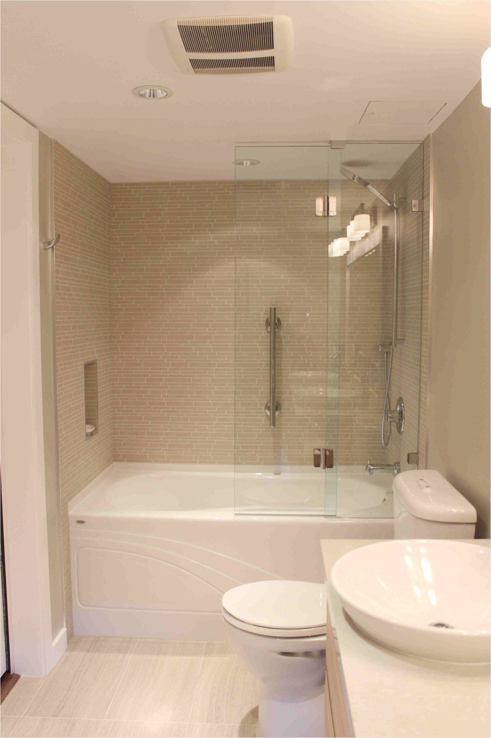 Full Bathroom Renovation 41 Awesome Small Full Bathroom Remodel Ideas Fullbathroom Renovation T Full Bathroom Remodel Small Full Bathroom Bathroom Cost