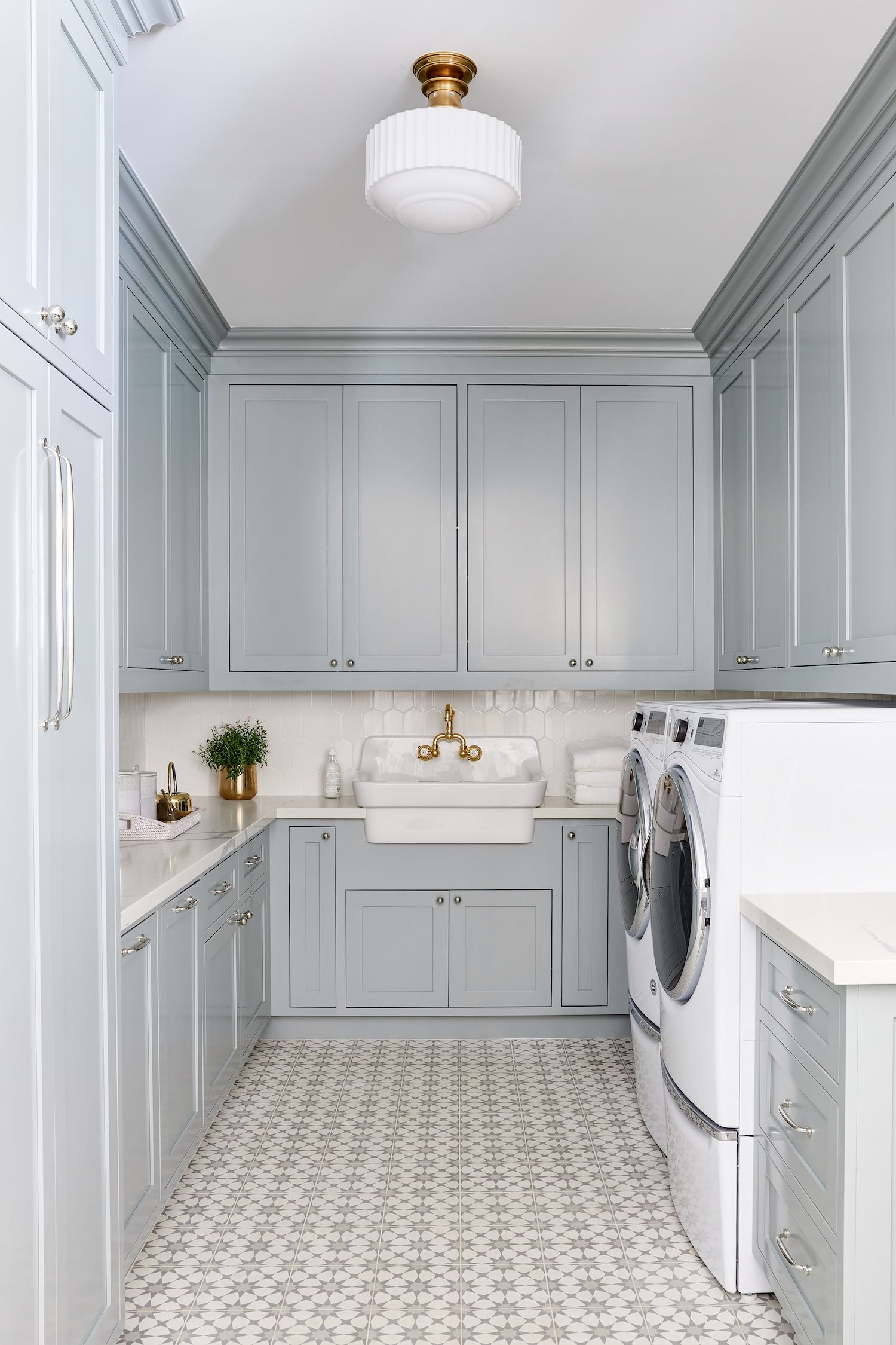 Blue Laundry Room Design by Phoenix Interior Designer Lexi Westergard Design #laundryrooms