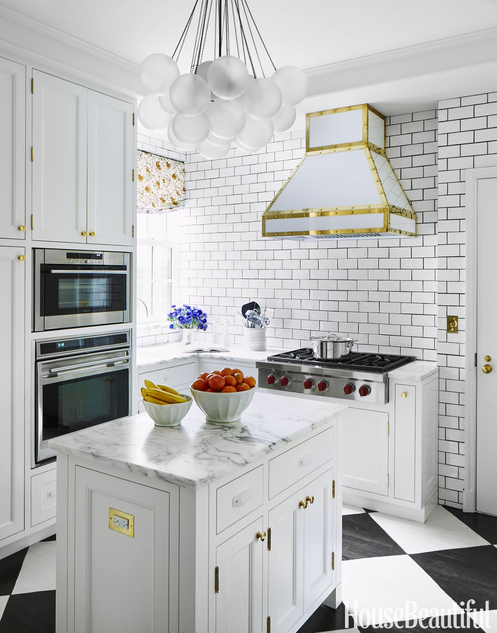 Small Kitchen Ideas That Maximize Style and Efficiency