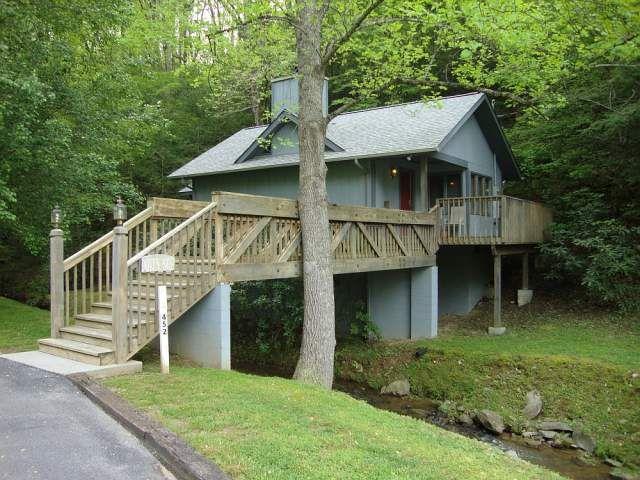 Dove S Nest 1 Bedroom Cabin At Parkside Cabin Rentals Gatlinburg Cabin Rentals Cabins In Gatlinburg Tn Gatlinburg Cabins