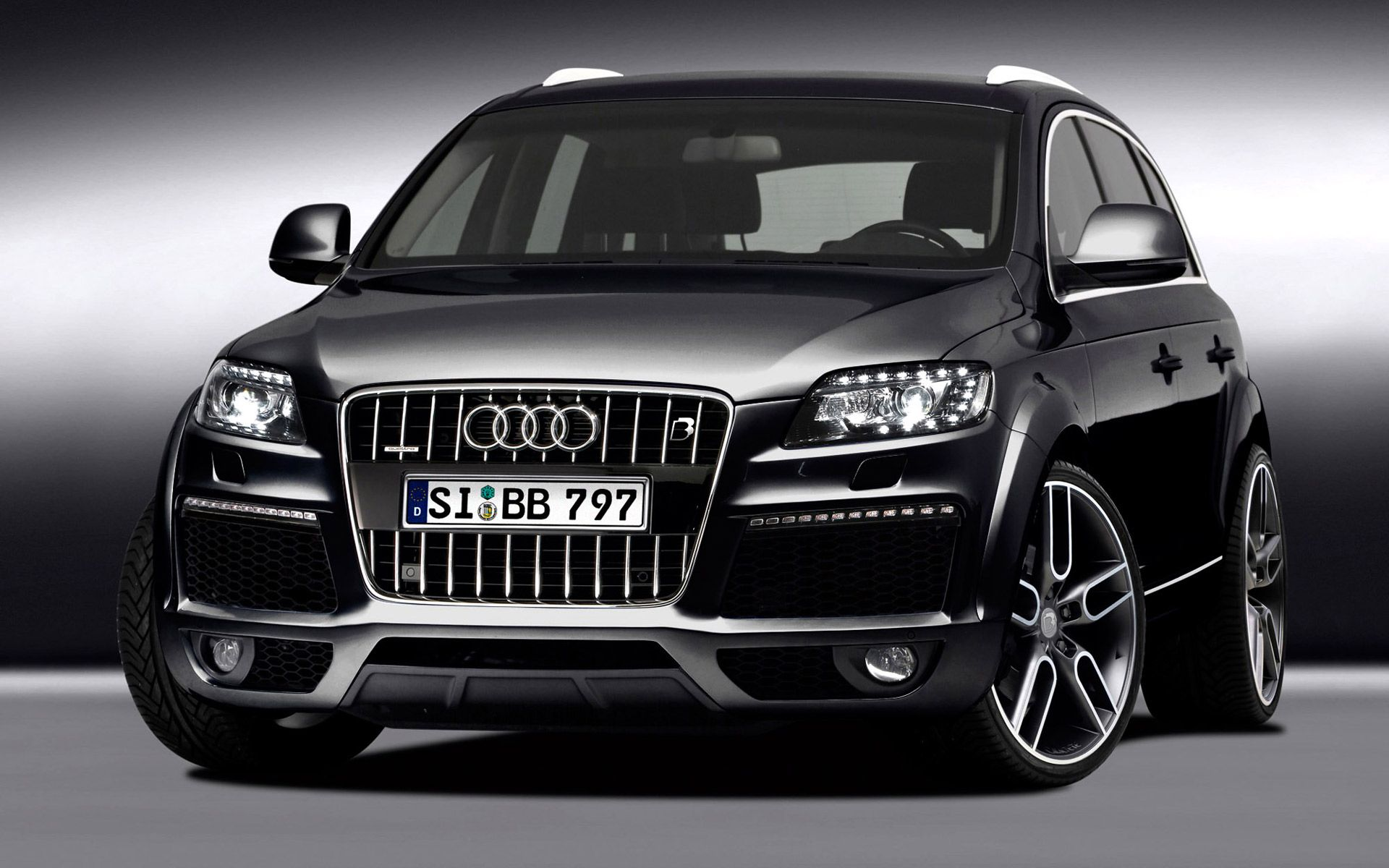 Ill Need One Of These To Ferry Round The Family Audi Q Yes - Audi r8 suv price