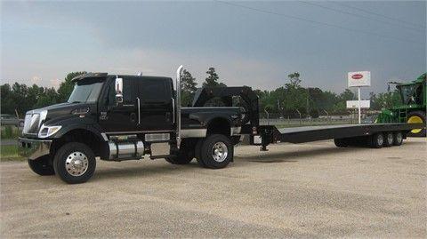 2004 INTERNATIONAL CXT Medium Duty Trucks Pick Up Trucks