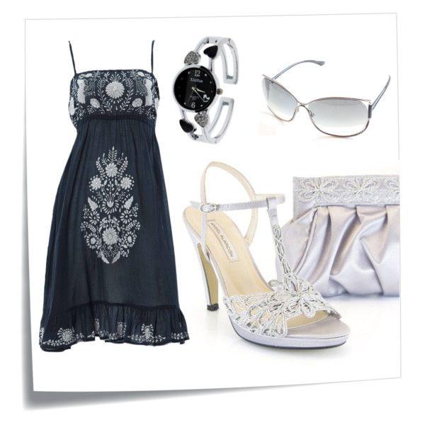 Outfit vestido negro zapatos plateados