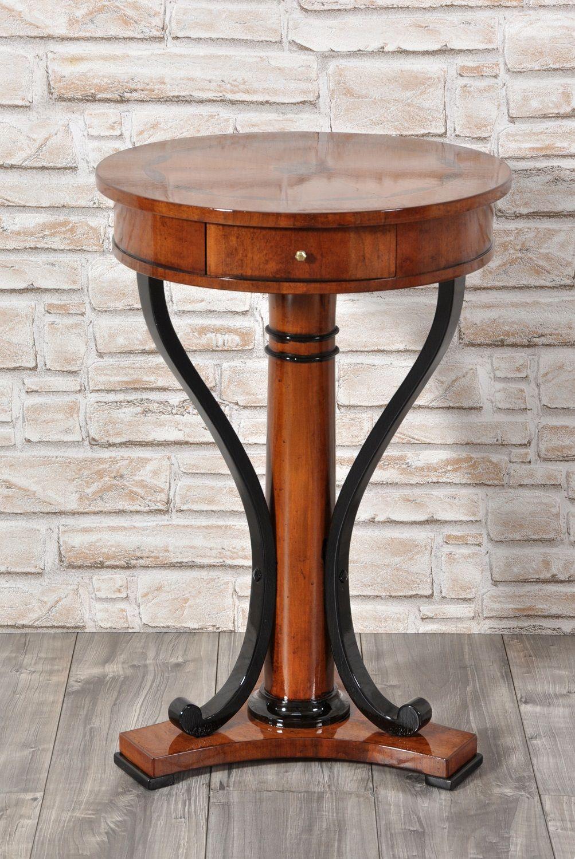 Tavolini Da Salotto In Stile Classico.Tavolino Rotondo Da Salotto Intarsiato In Essenze Di Noce E
