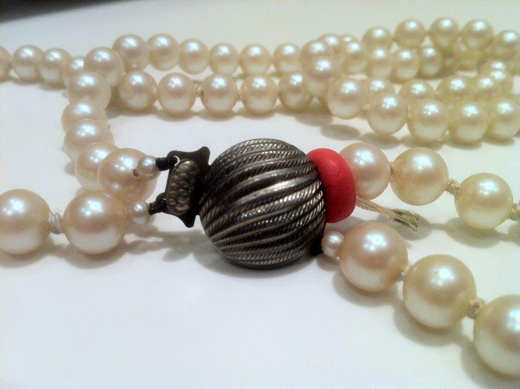 Fix a broken pearl necklace Necklace, Pearl necklace