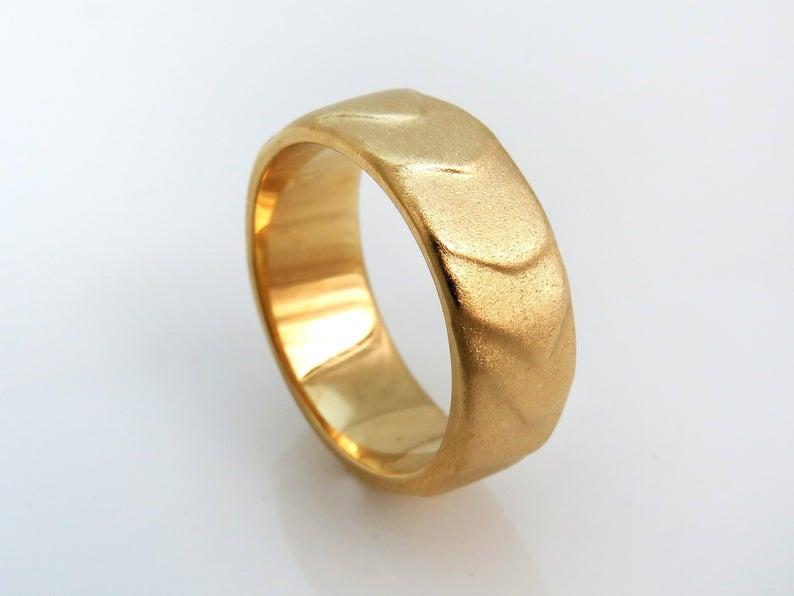 18k Gold Wedding Band Unique Gold Wedding Ring 14k Gold Band Etsy In 2020 18k Gold Wedding Bands Wedding Rings Unique Unique Gold Wedding Rings