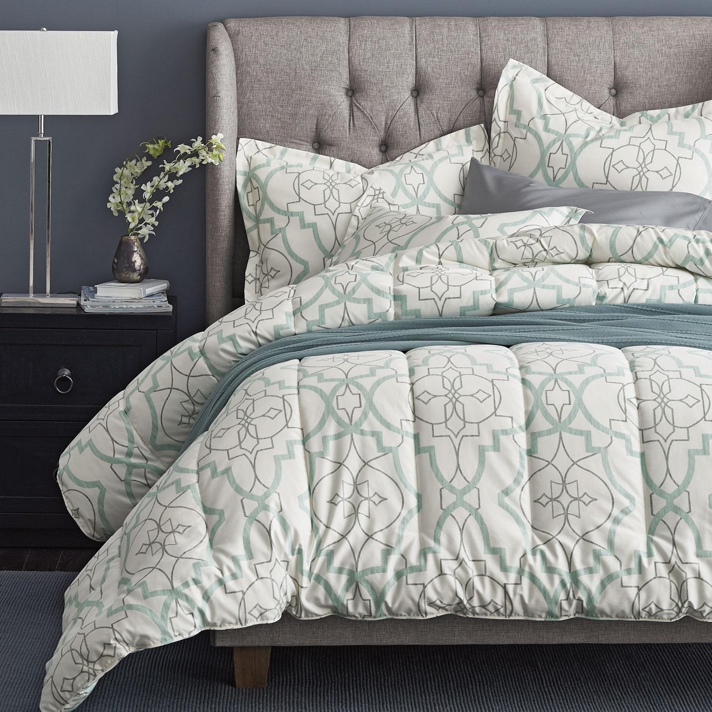 Millbrook 300 Thread Count Wrinkle Free Sateen Comforter