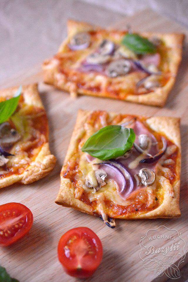 Francuskie Ciastka Z Pomidorami I Mozzarellą Cakes And