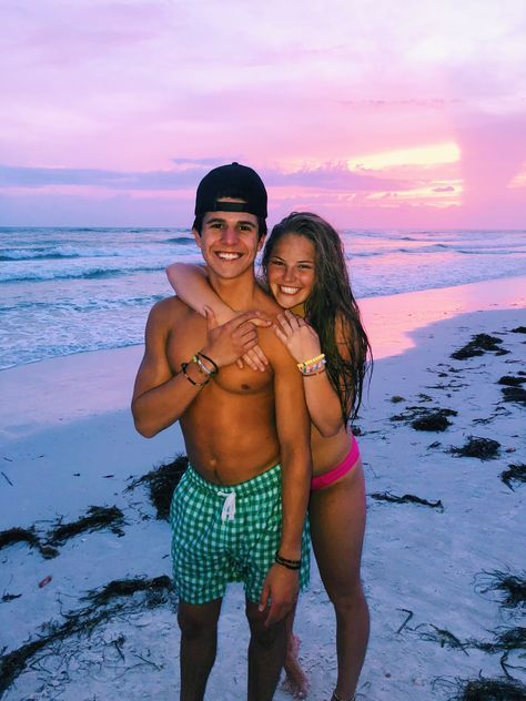 #beach pictures couples