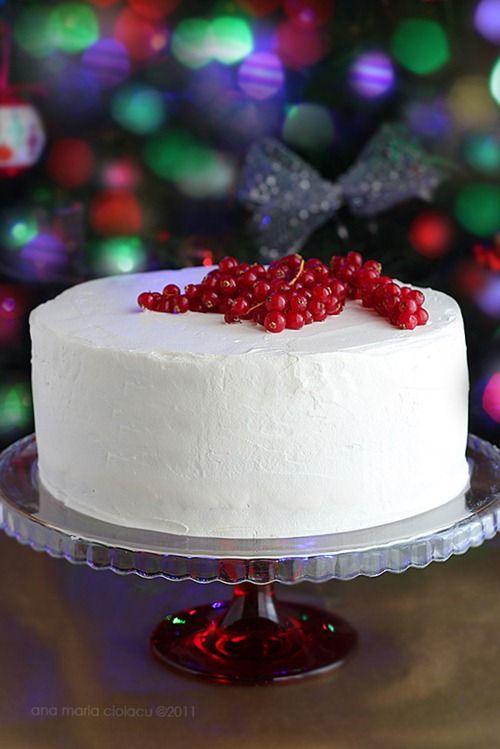 Such a sophisticatedly lovely holiday season dessert: Orange mousse cake with whipped cream and fresh currants. #food #mousse #cake #Christmas