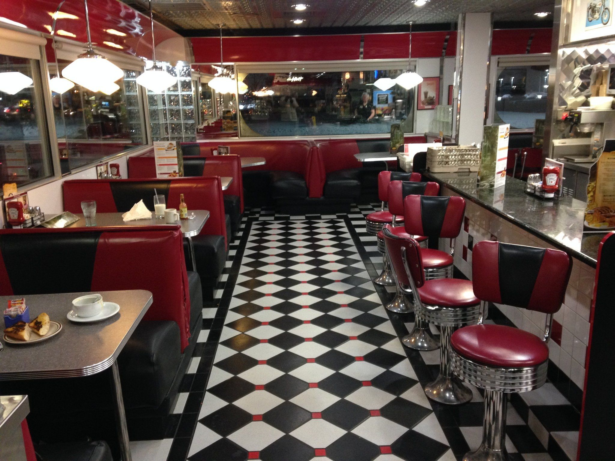 Pin by Karen Posard on Diners & Drive Ins (retro look ...  Pin by Karen Po...