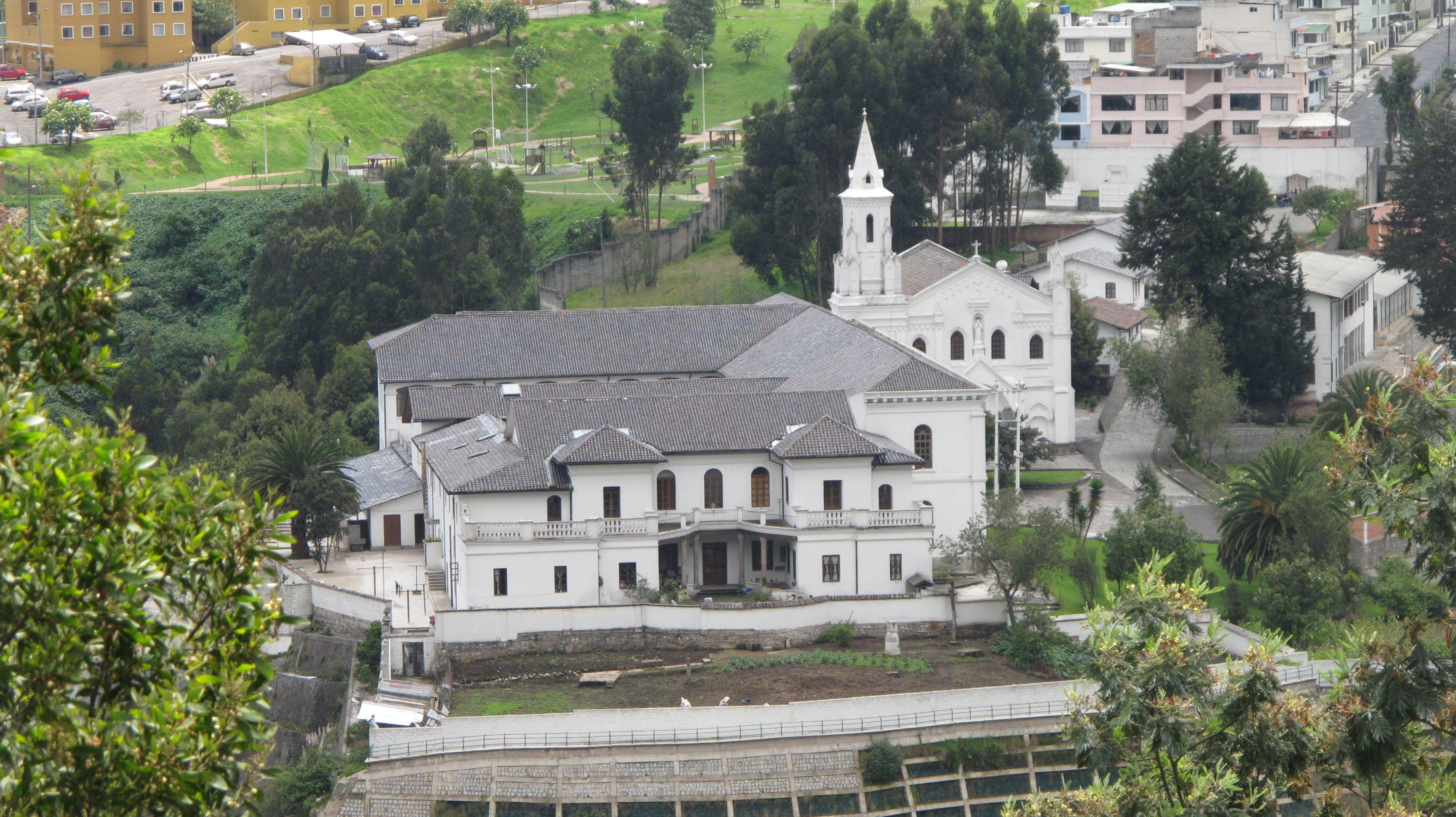 Iglesia del Buen Pastor - Barrio La Colmena - Quito. Foto Marco ...
