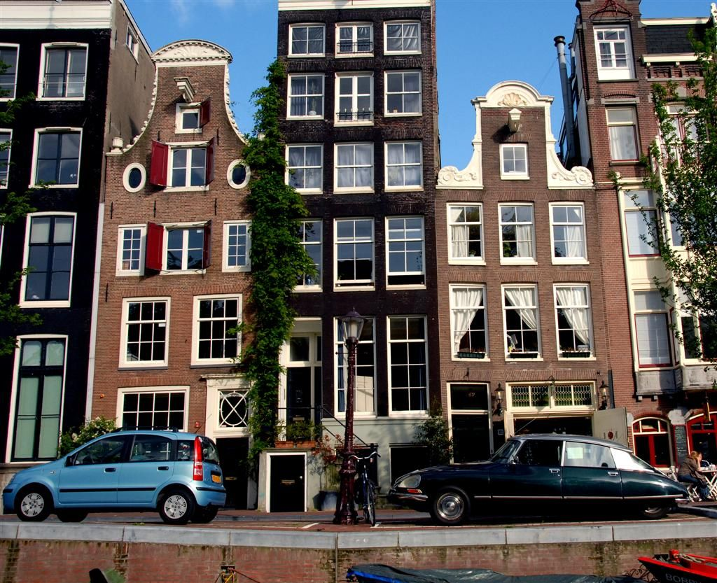 Ann frank 39 s house in amsterdam on the canal places i have been pinterest anne frank house - Casa anna frank ...
