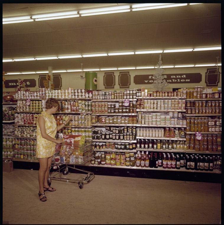 331116PD: Woolworths supermarket, La Plaza Bentley, February 1970  https://encore.slwa.wa.gov.au/iii/encore/record/C__Rb3048464