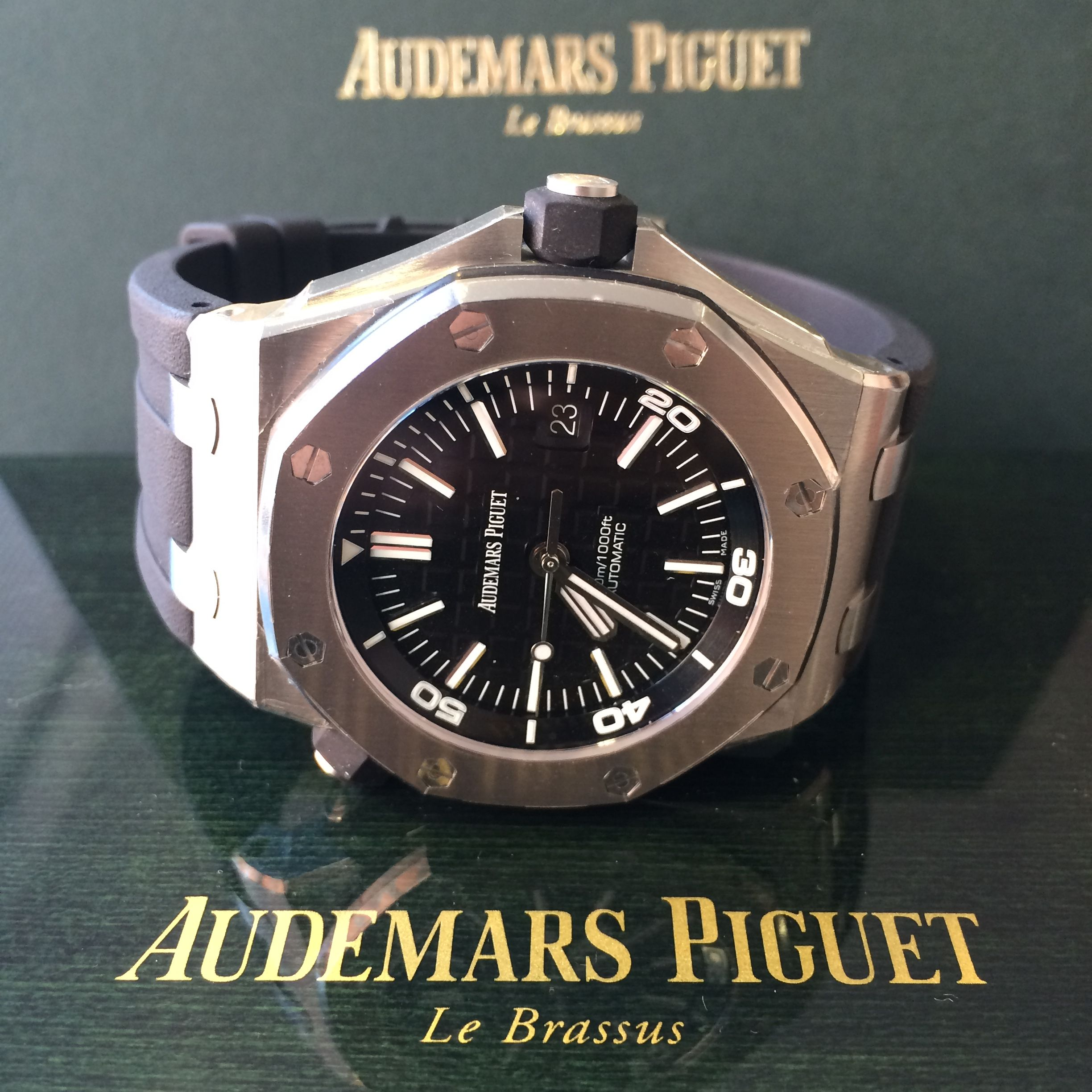 Pin by global watch shop on audemars piguet audemars piguet royal oak offshore audemars for Royal oak offshore vampire