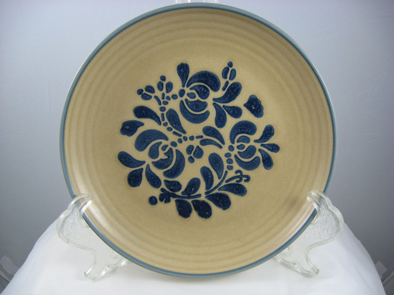 Pfaltzgraff Folk Art Dinner Plate 10\