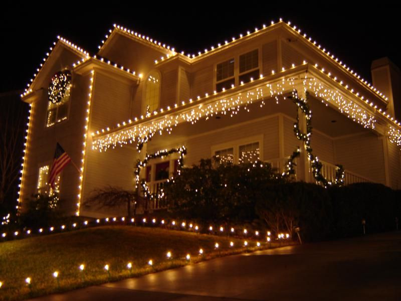 Decorating Outdoor Christmas Light Ideas Low Maintenance Front Yard Landscapin Christmas House Lights Decorating With Christmas Lights Christmas Lights Outside