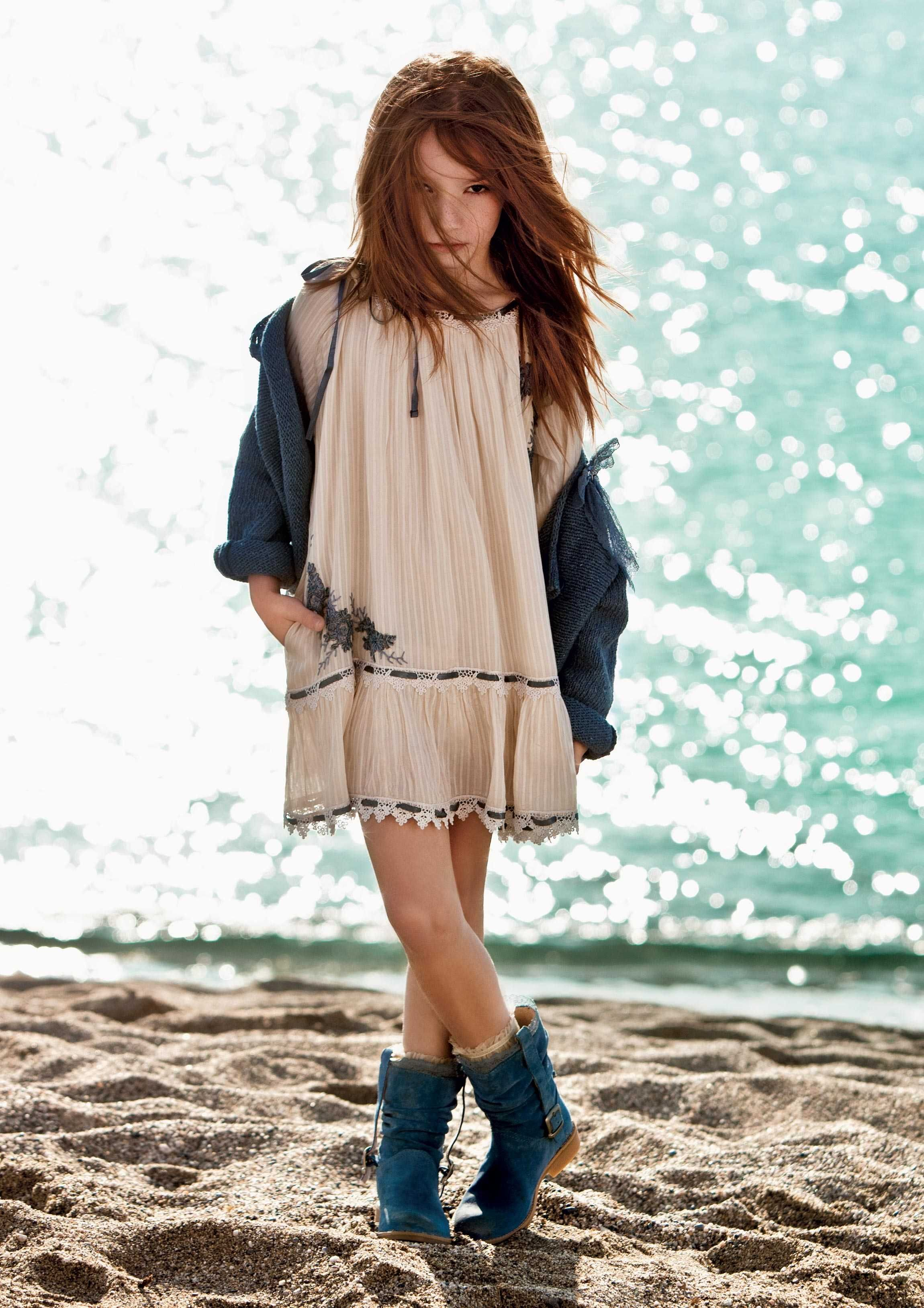 TWIN-SET Girl Collection: Knitted cardigan and long-sleeve flounce dress with lace detail