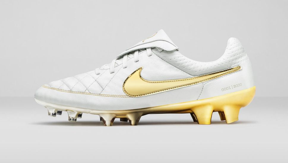 nike free 5.0 noir - Nike Tiempo Legend 5 Ronaldinho R10 Touch of Gold Review | Soccer ...