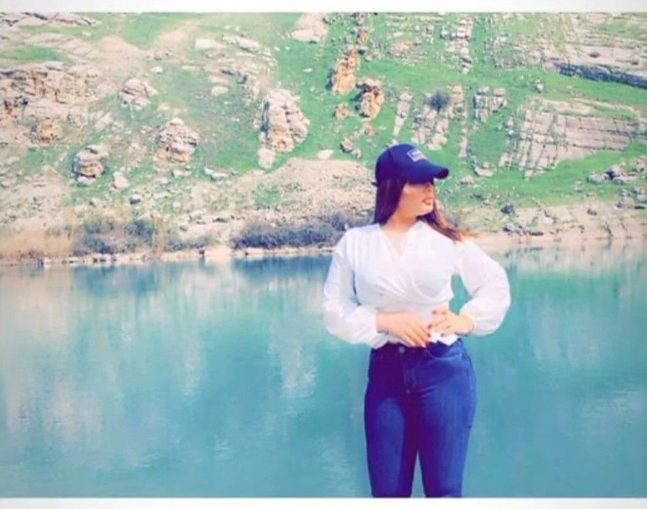 Pin By Roza On صور بنات يبانو صح In 2021 Selfie Poses Instagram Selfie Poses Poses