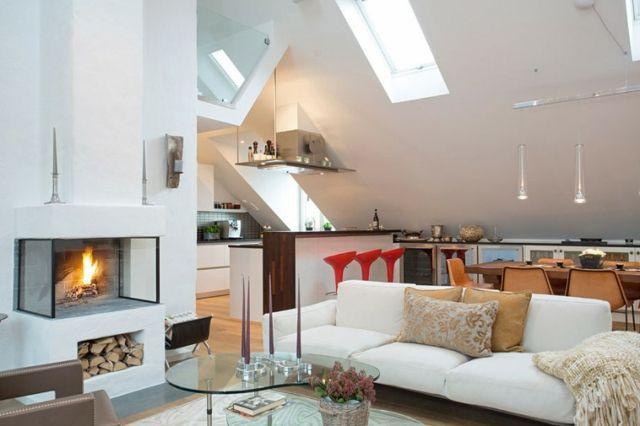 Wohnstil einrichten Kamin Holz Dachschräge Deko Kissen Ideen für ...