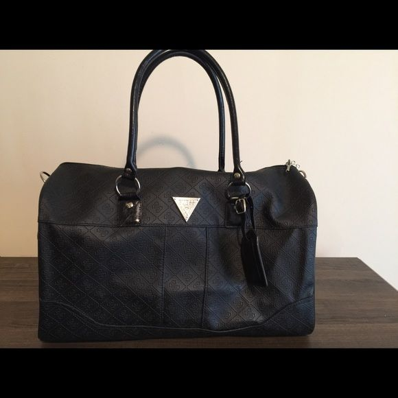 GUESS Weekender Bag Great for light traveling or everyday use. Only used  once!! Pretty much new!! Guess Bags Travel Bags 16051f675a42d
