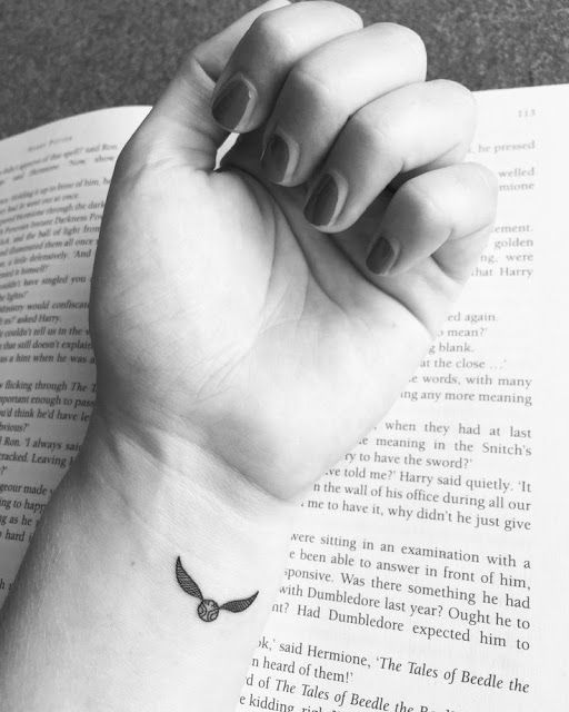 77 ideias para mini tatuagens femininas