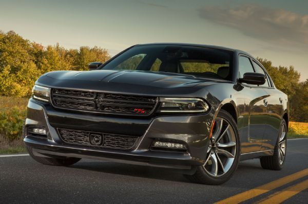 2015 Dodge Charger Sxt R T And Srt 392 Review Dodge Charger 2015 Dodge Charger Dodge Charger Sxt