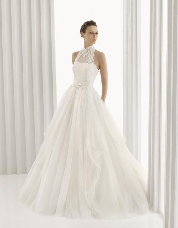 Rosa Clara Spring 2012 Bridal Gowns: Lace Luxury, Sleeved Romance
