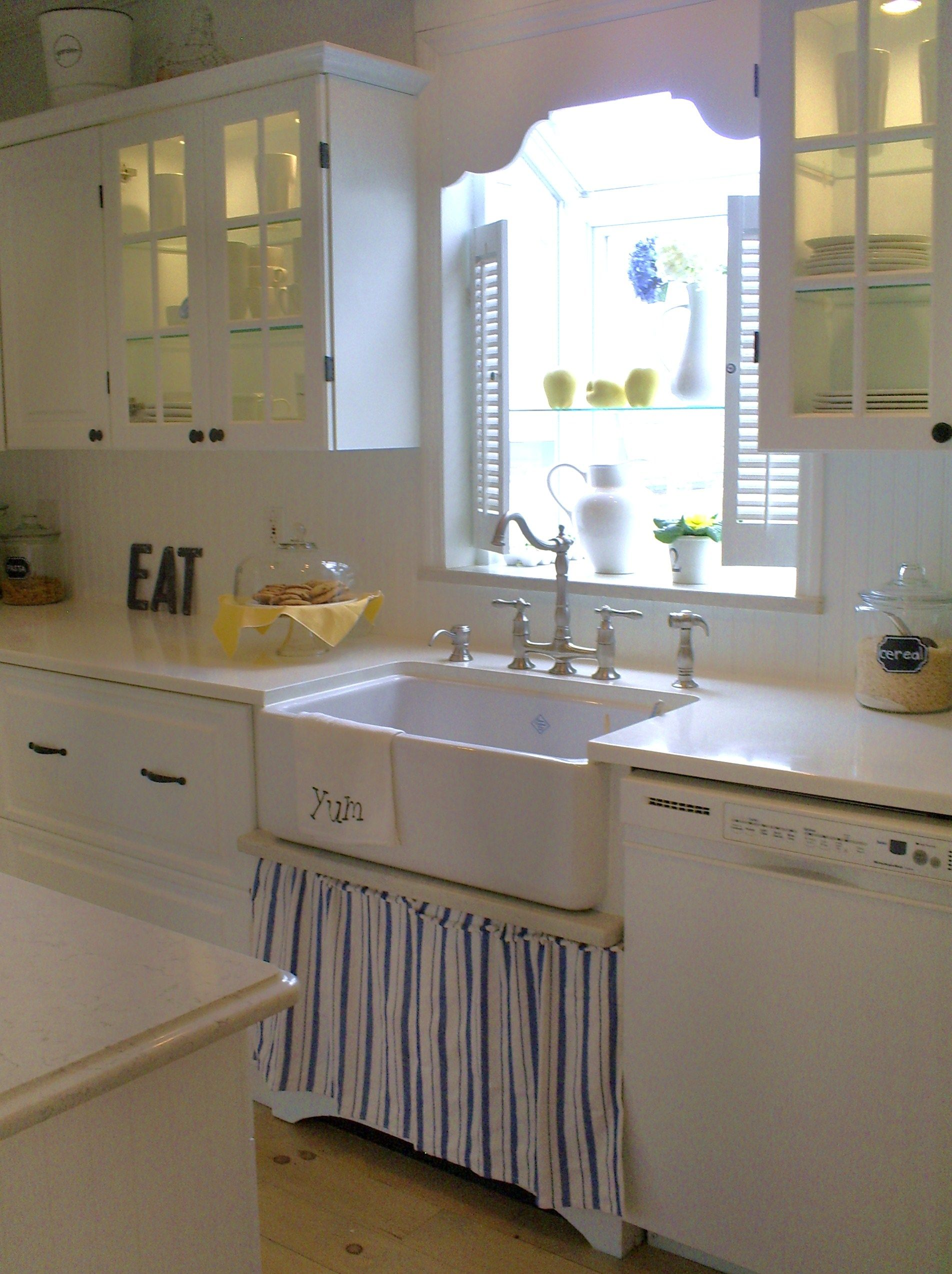 Skirted Sink Cottage Kitchen Sinks Country Cottage Kitchen Kitchen Cabinets
