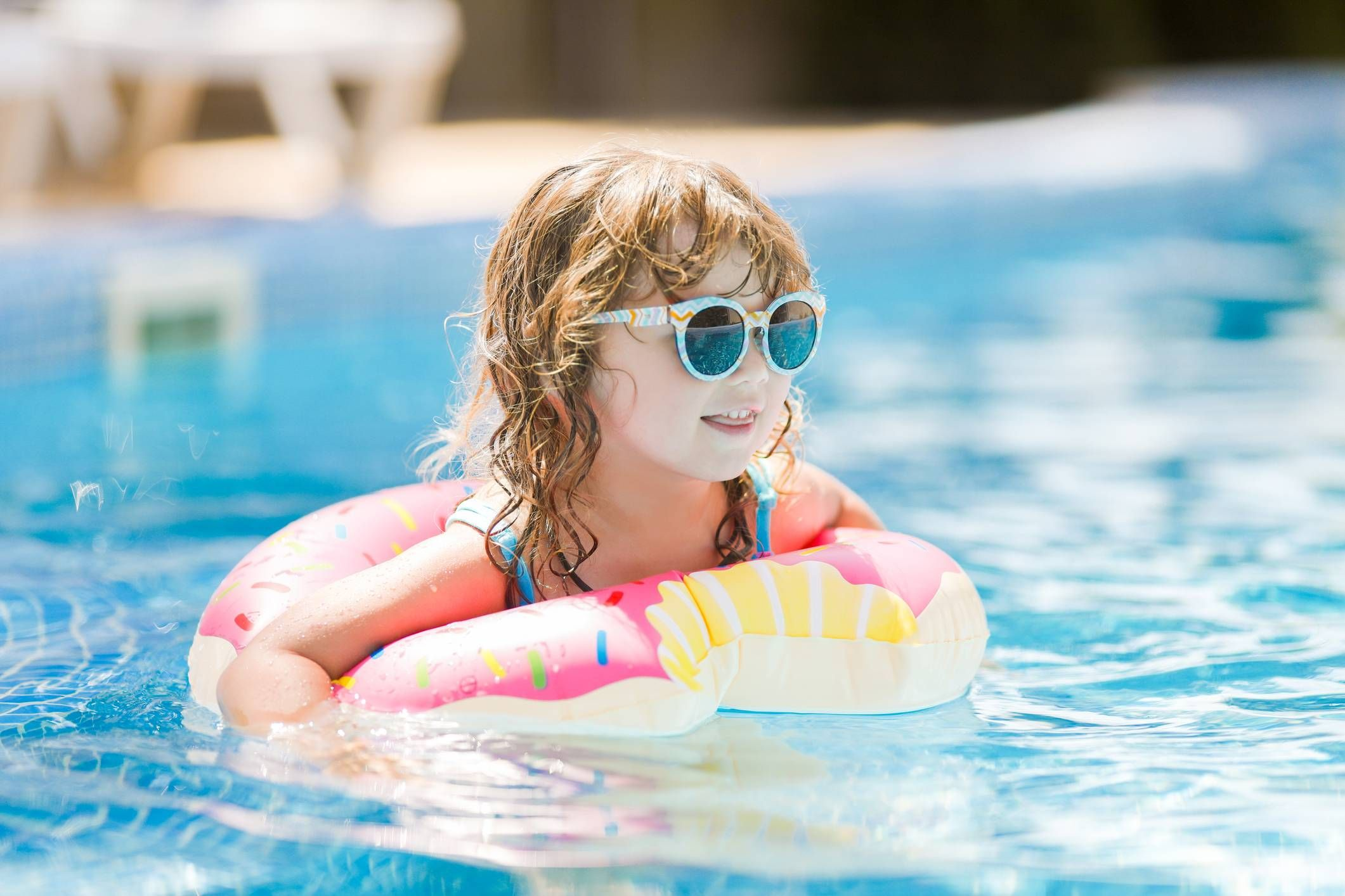 Maintain your pool with baking soda arm hammer pool