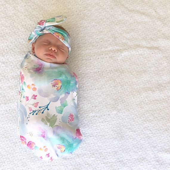 How To Swaddle A Baby With A Blanket Best Baby Sleeping Bag Swaddle Sack Baby Swaddle Baby Wrap Topknot Review