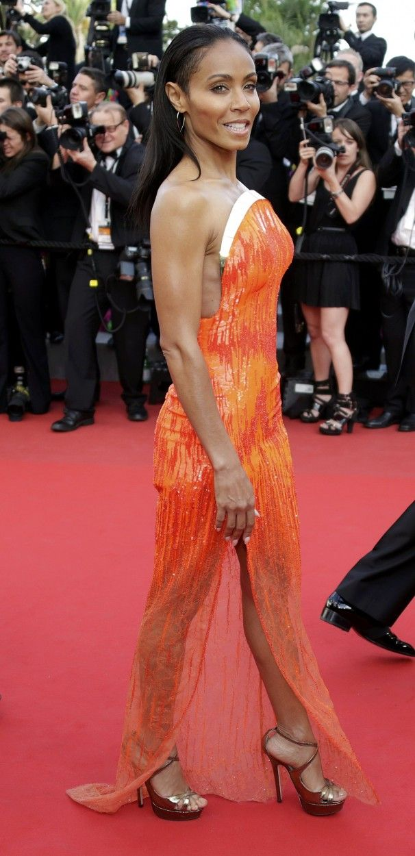 Jada Pinkett-Smith arrives on the red carpet