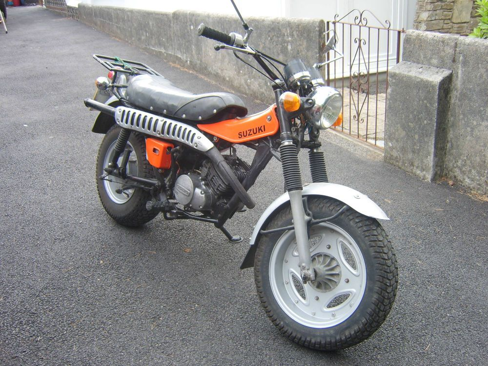 suzuki rv 125 motorbike rv125 suziki orange 1977 mot tax. Black Bedroom Furniture Sets. Home Design Ideas