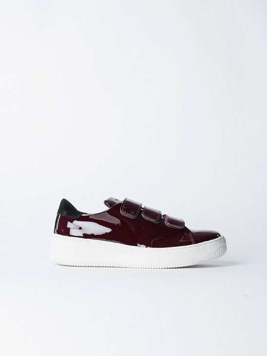 6001c64634b7 APLACE Velcro Sneakers Low Top Red - WeSC