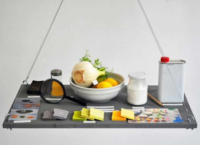 suspended food tray