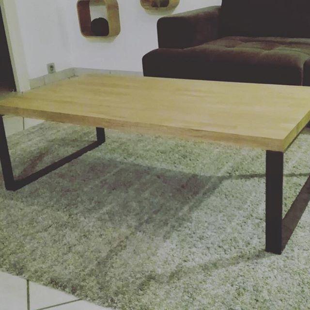 Une Petite Table Basse Realisee Avec Nos Pieds En Fer Plat Metalbrut Picoftheday Piedsdetable Hairpi Table Basse Petite Table Basse Meuble De Style