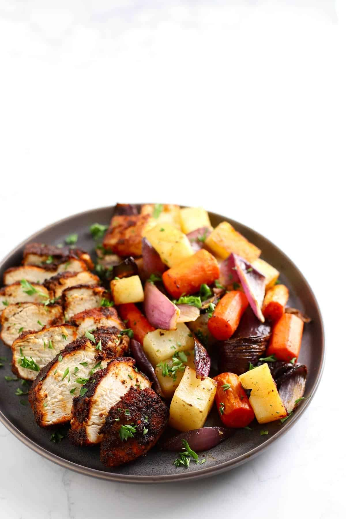 Air Fryer Spiced Chicken and Vegetables | Recipe in 2020 ...