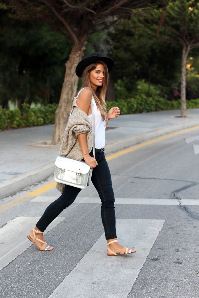 Fedora, oversized cardi, skinny jeans, sandals and crossbody