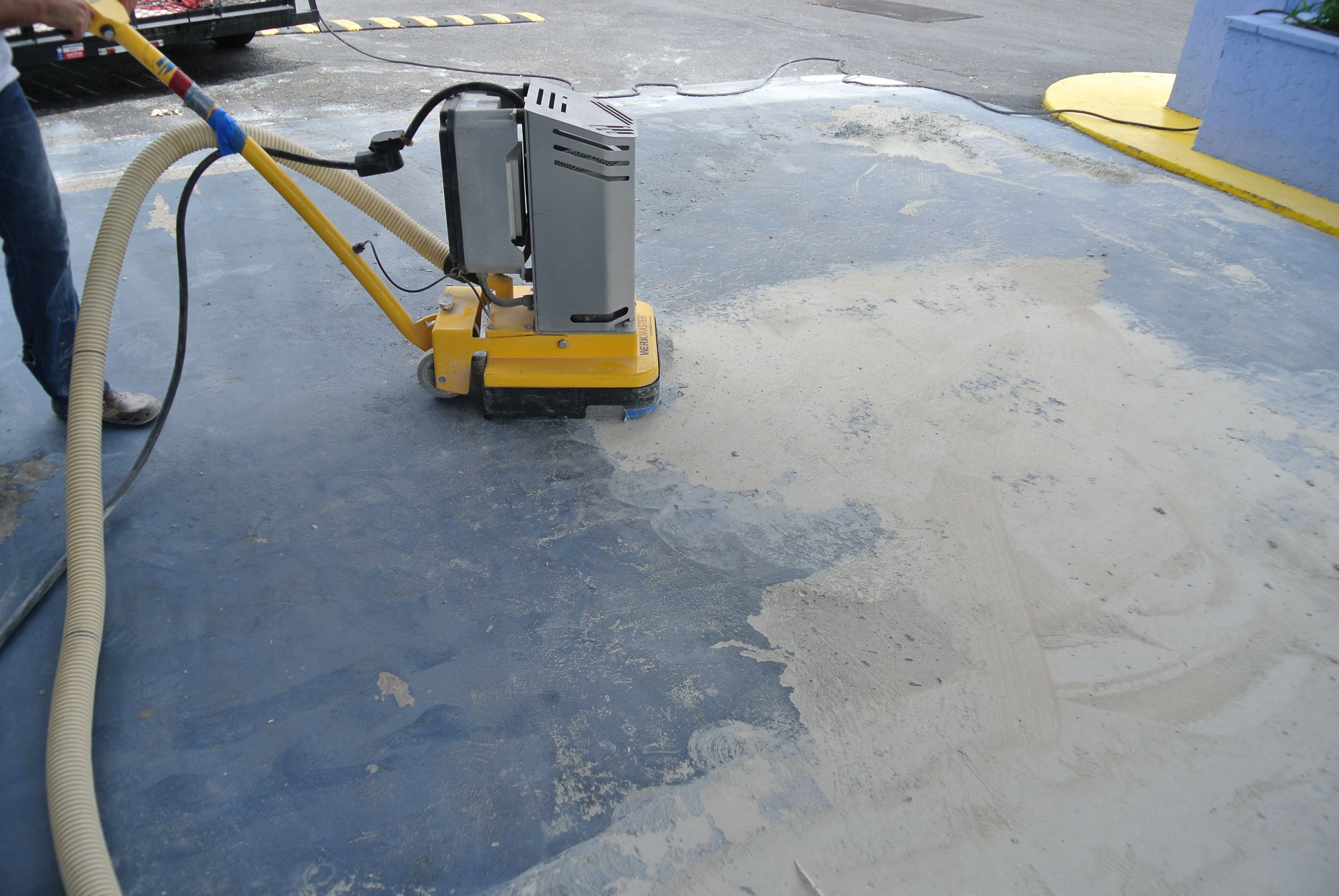 how to clean engine oil off concrete