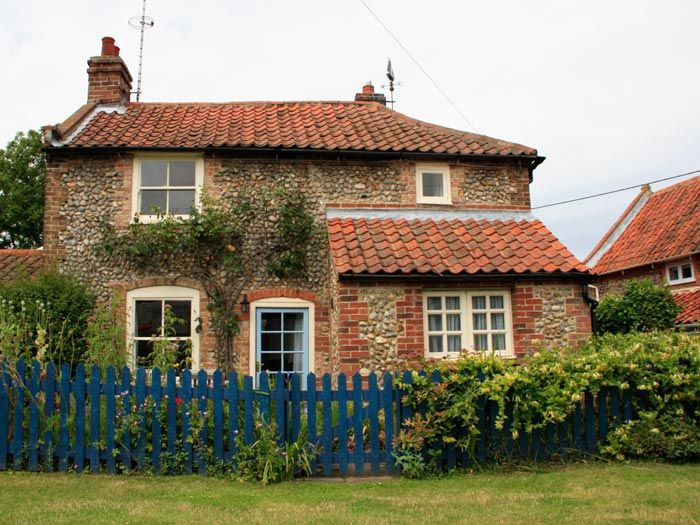 Mays Cottage Luxury Self Catering Cottage Blakeney North Norfolk Country Cottage Decor Country Cottage Dream Cottage